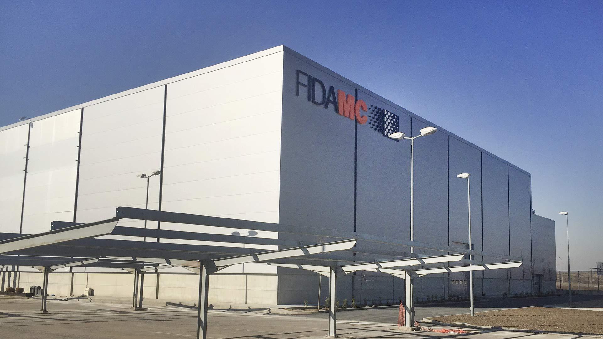 Exterior de la nave industrial de FIDAMC en Getafe (Madrid)