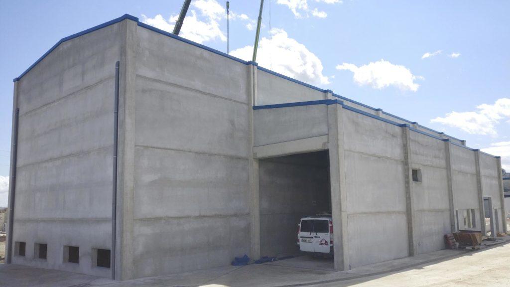 Exterior de la nueva nave industrial de Jorge Pork