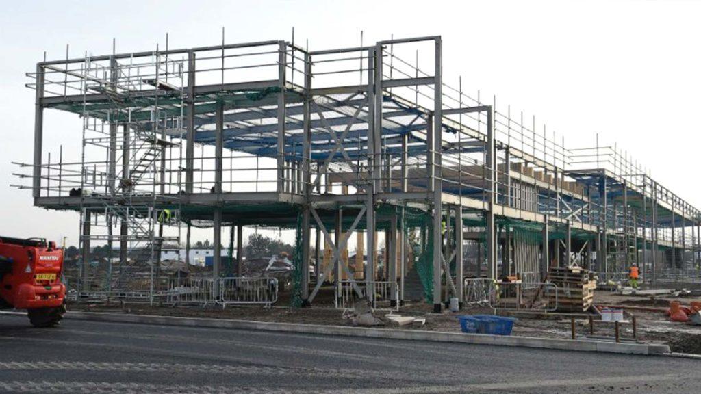 Vista general de la construcción del campo de entrenamiento del Liverpool FC