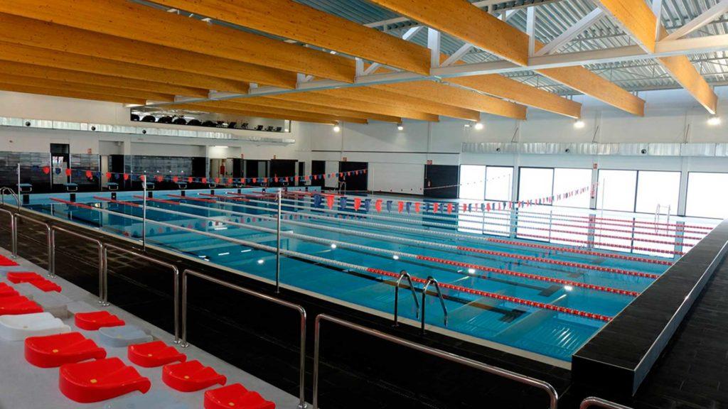 Piscina cubierta del complejo deportivo WIN de Tortosa