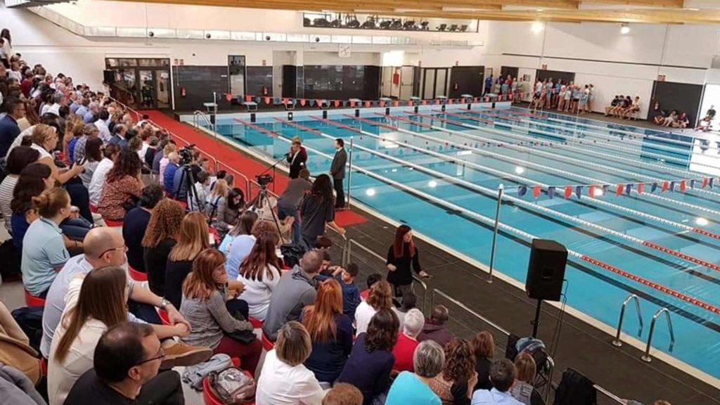 Público en las gradas del complejo deportivo WIN de Tortosa