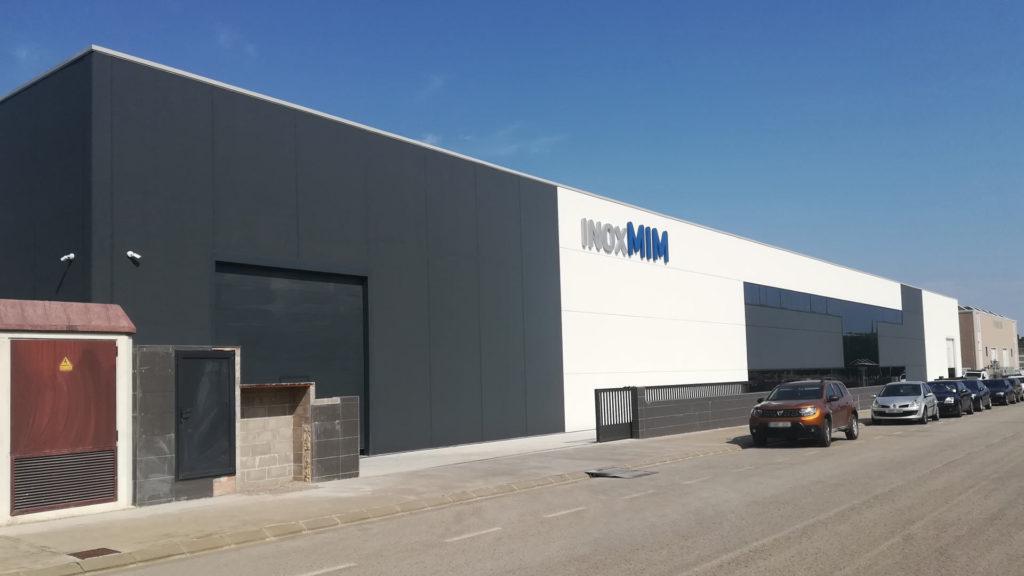 Exterior de la nau industrial d'Inoxmim