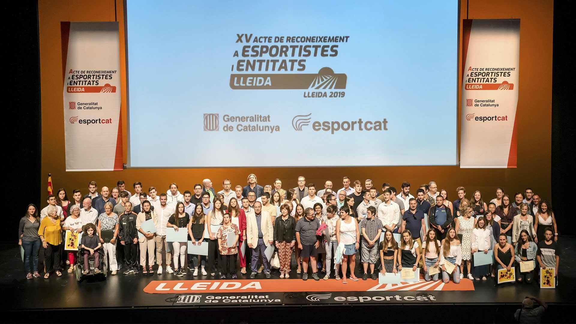Foto de grupo de los premiados. Foto: Javi Martín