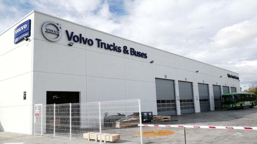 Exterior de la nave industrial de Volvo