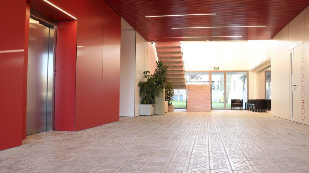 Hall de entrada a las oficinas