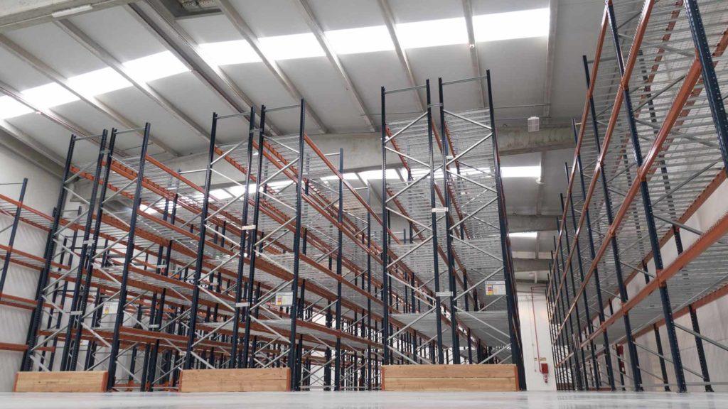 Interior de la nave industrial de Salicru