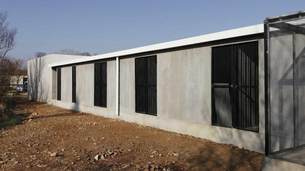 Edifici prefabricat del nou centre de recuperació de fauna salvatge