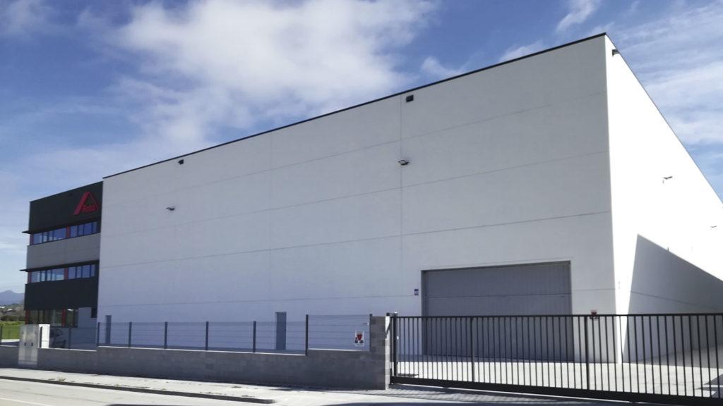 Zona de almacén de la nave industrial de Roto