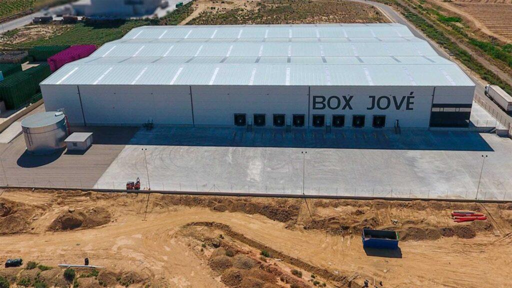 Vista aérea de la nave industrial de Box Jové. Obra realizada por Paobal