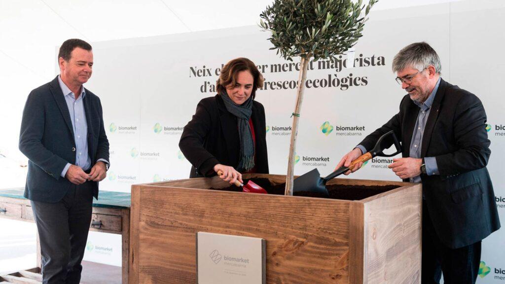 """Las autoridades ponen la """"primera piedra"""" de Biomarket"""