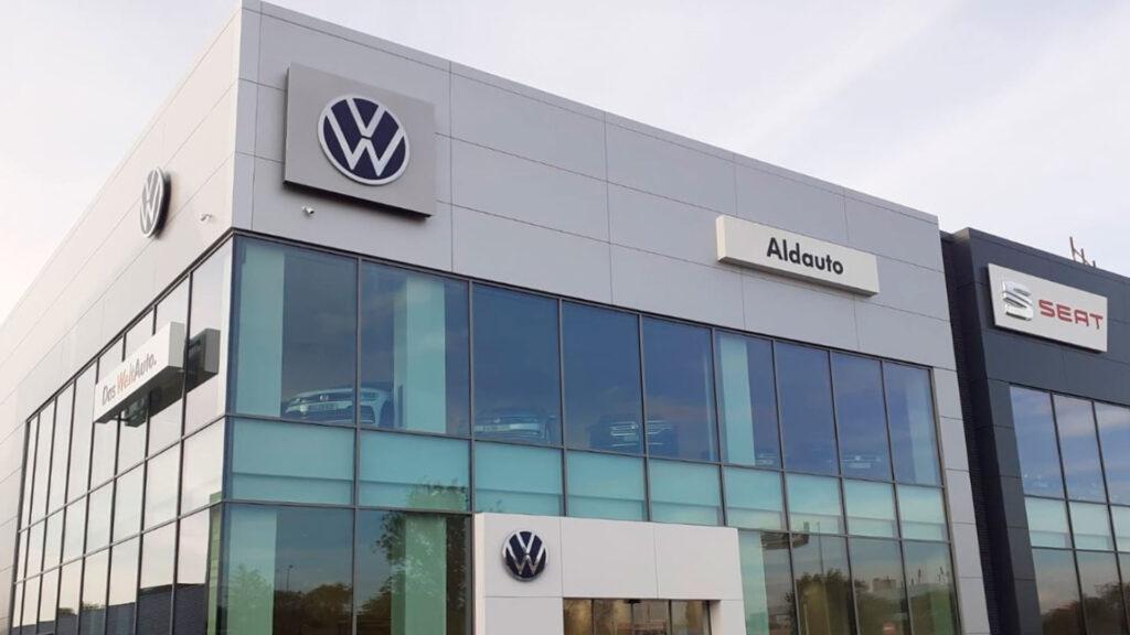 Nave industrial Volkswagen (fachada)
