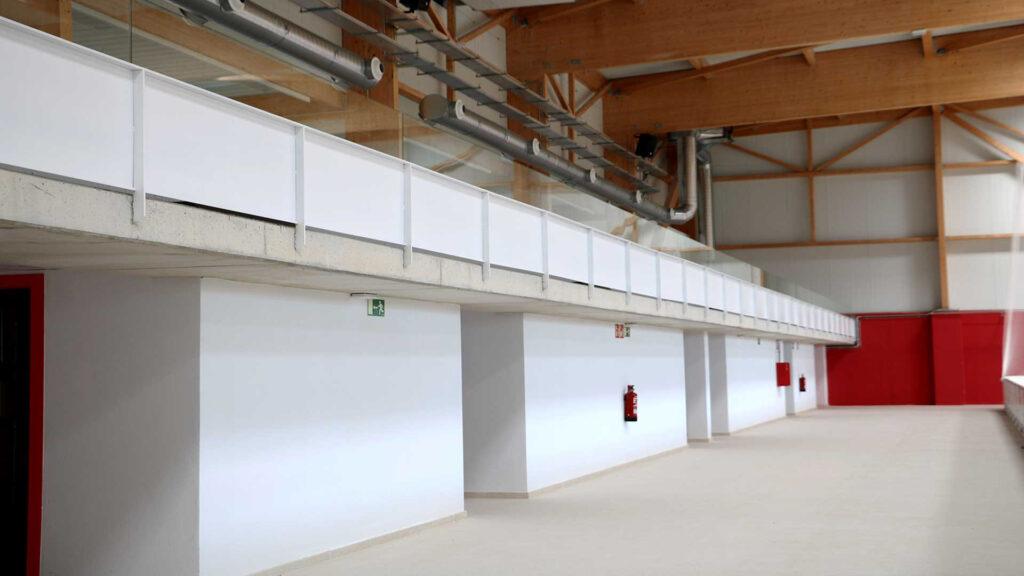 Interior del nou poliesportiu de Folgueroles.